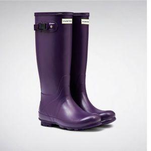 HUNTER Field Huntress Tall Rain Boots Iris 8